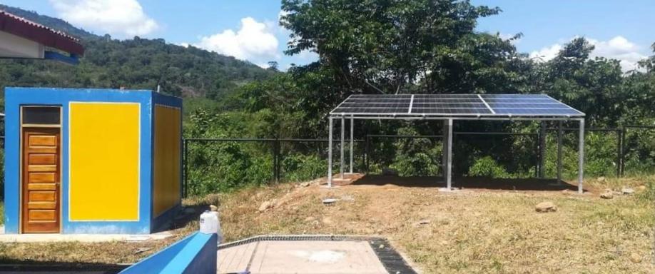 Instalación aislada en Tingo María con Ultracell y Victron